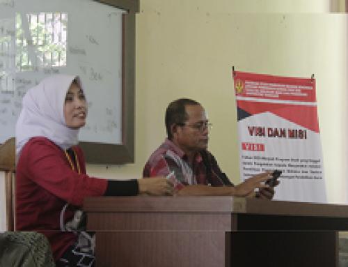 Koordinator Prodi Pendidikan Bahasa Indonesia Sosialisasi Visi-Misi bagi Mahasiswa Baru